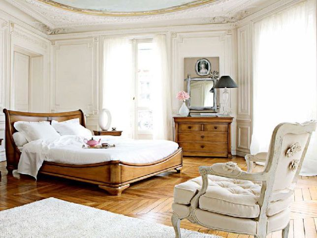 Beautiful-Classic-Bedroom-Interior-Design