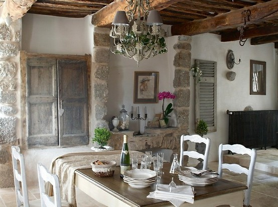 stone wall dining room via missdesign.com (2)